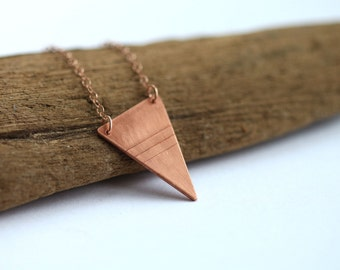 Delicate textured triangle copper necklace // 14k rose gold chain // geometric charm // minimal layered jewelry // everyday style //handmade