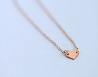 Tiny heart bracelet / copper heart charm / 14k rose gold chain and link bracelet / dainty minimalist layered jewelry / small girlfriend gift