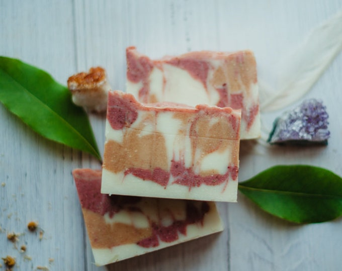 DIRTY HIPPIE - organic soap - patchouli - beet root - turmeric root