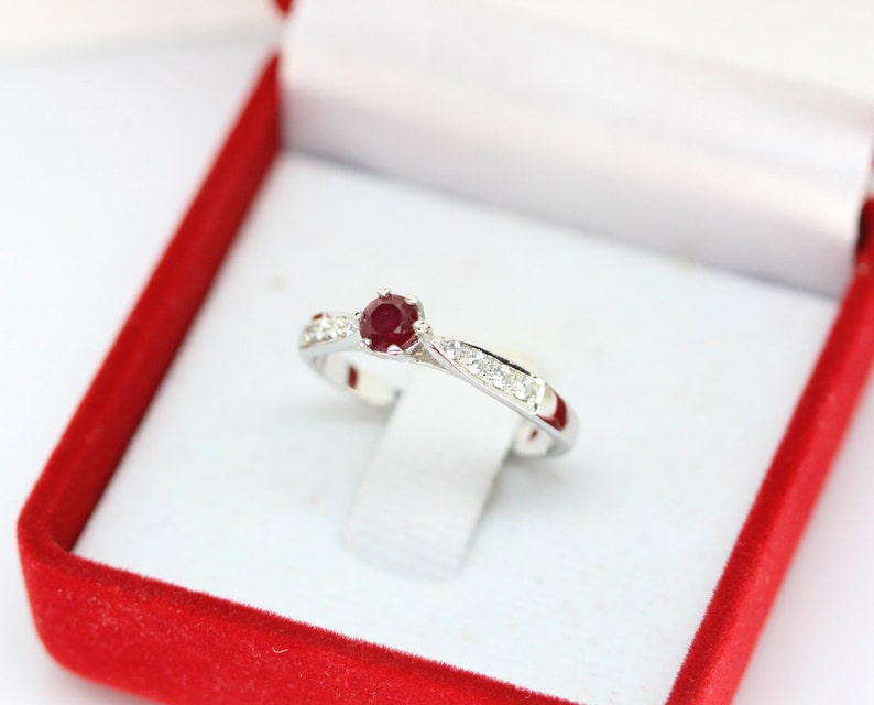 Awesome Natural Gemstone Top Blood Red Ruby 925 Sterling Silver White Gold Coated Ring