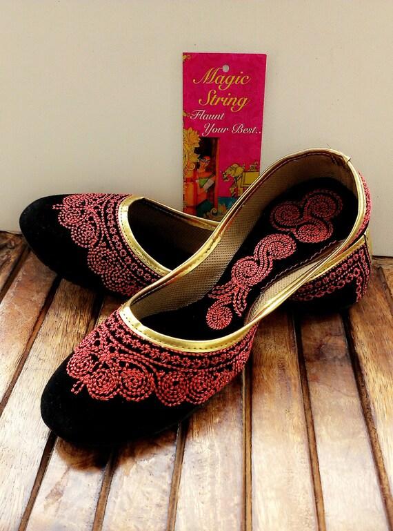 50 % de réduction chaussures de taille US 6/Black/Velvet chaussures/rose brodé Designer chaussures/ballerines noires/Chaussures femmes / fait à la main chaussures / / Royal