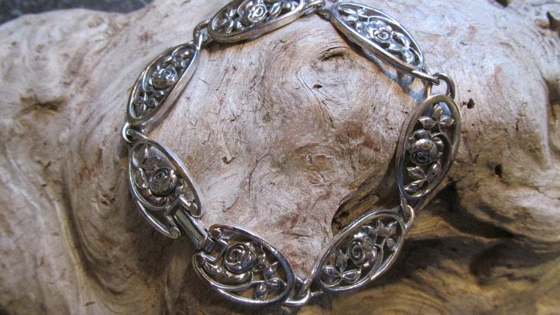 Avon Roses Floral Link Bracelet Silvertone With Clasp Closure