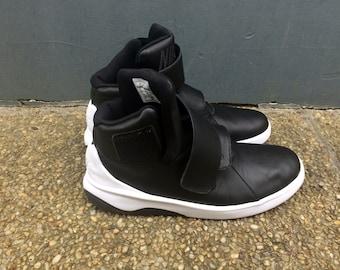 best service f6412 c8f1b NIKE SNEAKERS     uomo Sneakers Nike Ciao Top bianco e nero Sneakers basket  Sneakers in pelle, ci taglia Uk 11, 10, 45 Eur