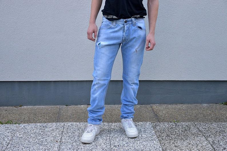 180f0e0399138 90er Jahre Vintage Herren Jeans / Herren Jeans Hose Herren Slim Fit gerade  Bein gerissen Jeans gewaschen, Denim-Hosen Männer Mode Menswear, ...