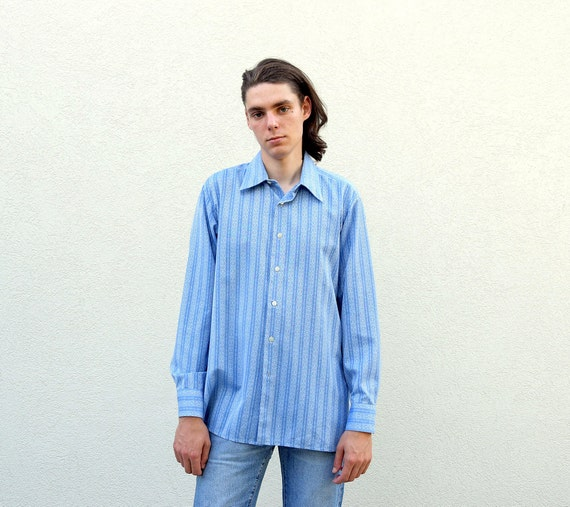 blouse Vintage Button Down Blouse..size small medium womens..crop button down ladies hipster. urban soho vintage blouse mad men mod