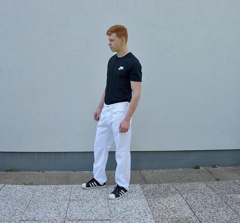 18dc9dcc6366fc 90er Jahre weiße HUGO BOSS Herren Jeans. Entwerfer gerades