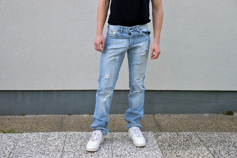 3fb4c008aa9df 90 ist DOLCE & Gabbana Herren Jeans / / ausgefransten zerrissen gerades  Bein schlanke Passform Button Fly Blue Jeans Menswear Streetstyle  Herrenmode, ...