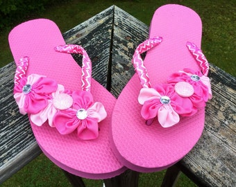 ccd435e5041fb Pretty In Pink Chevron Adult Women s Size Large 9 10 Flower Flip Flops. Pink   9-10  Large Flip Flops