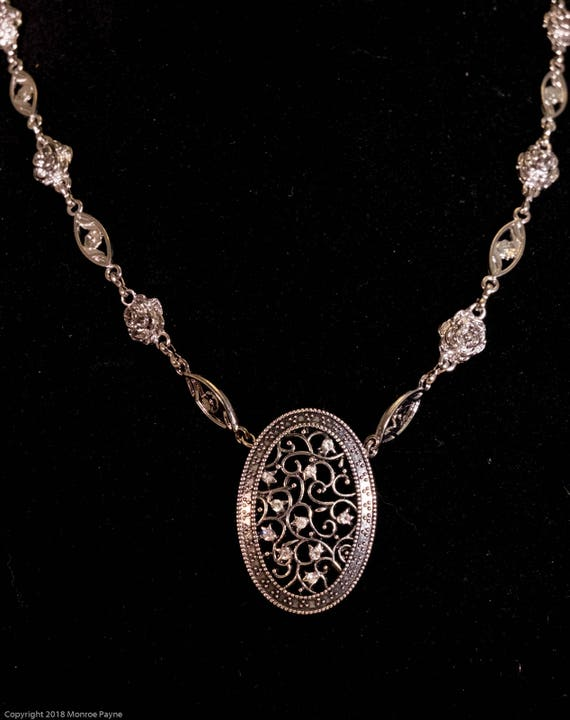 Necklace for the Lady, Flowered Chain and Sparkly Pentant, LARP, Fashion