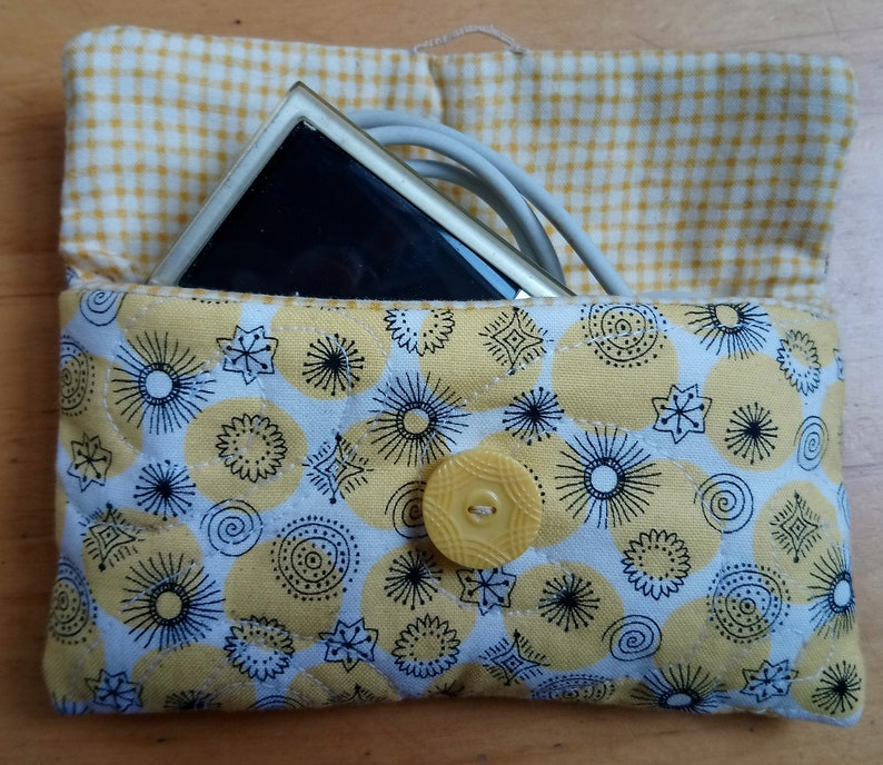 Quilt pattern: small bag with button fastening free machine image 0