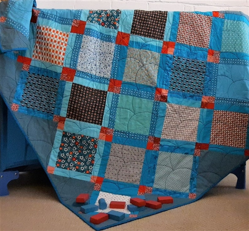 Baby quilt pattern cot quilt pattern throw wall-hanging image 0