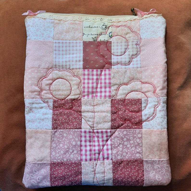 Quilt pattern: zipped bag fabric pouch lingerie bag patchwork image 0