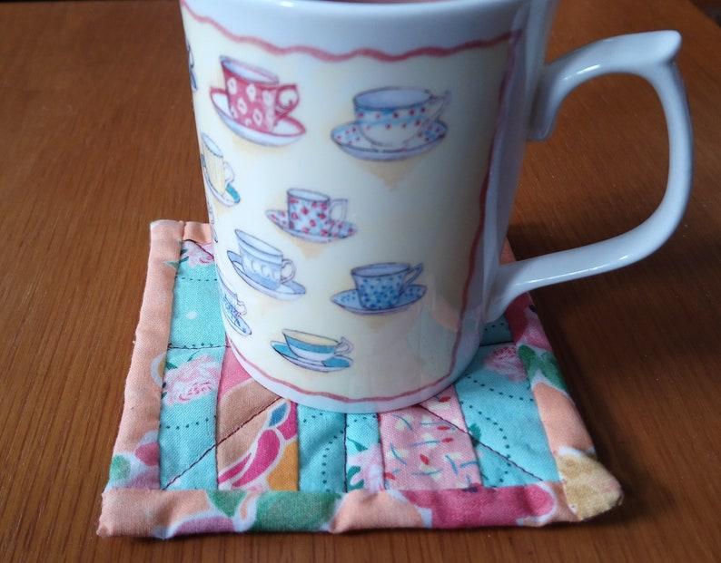 Quilt pattern: mug mat quilted coaster pattern strip image 0