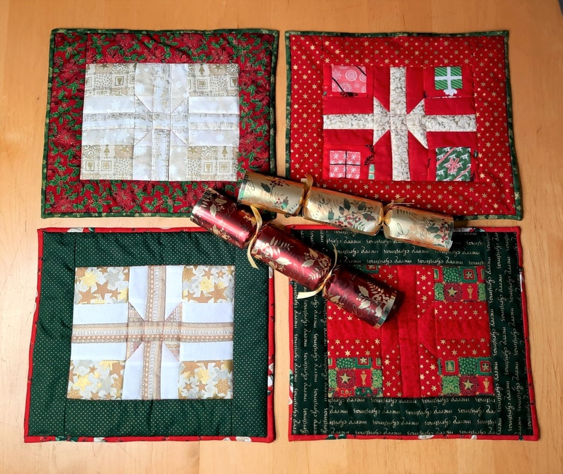 Quilt pattern: Christmas table mats pattern four variations image 1