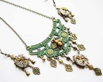 Steampunk Exotic Bee & Watch Movement Jewellery Set, Steampunk Jewellery, Steampunk Bee Necklace, Steampunk Earrings, Watch Earrings, NES24