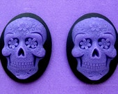 2 Gothic Day of the Dead PURPLE Sugar Skull with Flowers on Black Día de los Muertos Emo Wiccan 40mm x 30mm Resin CAMEOS Calaveras de Azúcar