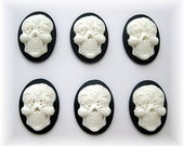 6 White Gothic Day of the Dead Sugar Skull with Flowers on Black Día de los Muertos Emo Wiccan 25mm x 18mm Resin CAMEOS Calaveras de Azúcar