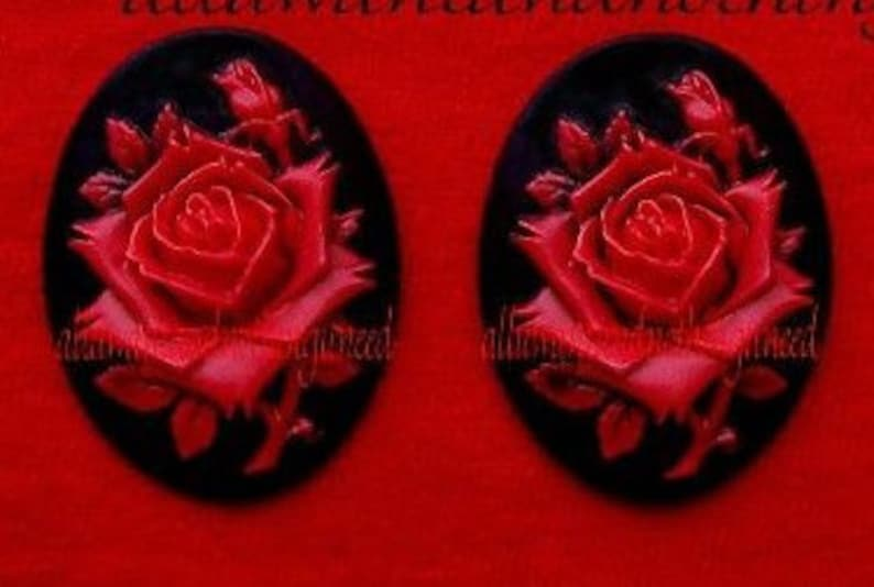 729ec7fa3d411 2 Roses Floral Rose Roses Flower True Bright Red Color on Black 40mm x 30mm  Resin CAMEOS LOT for Making Costume Jewelry