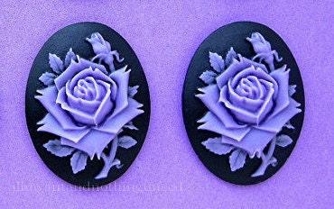 2 Roses Fleurs Rose Fonce Ou Violet Couleur Lavande Sur Noir Etsy