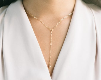 QUINSCO - [ The JENNA Lariat Necklace ] - Gold Thin Chain Y-Lariat Necklace with Dainty Gold Cubic Zirconia Pendant - Short Lariat