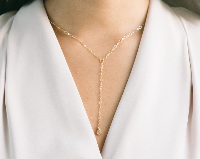 The [ J E N N A ] Short Lariat Necklace