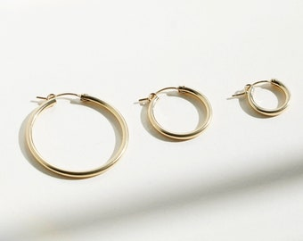 NAOMI Hoop Earrings