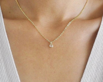The AVA Necklace