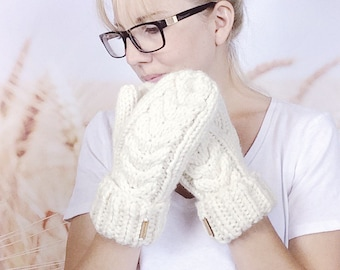 Cream White Cable Knit Hand Warmers, Chunky Knit Winter Mittens for Women