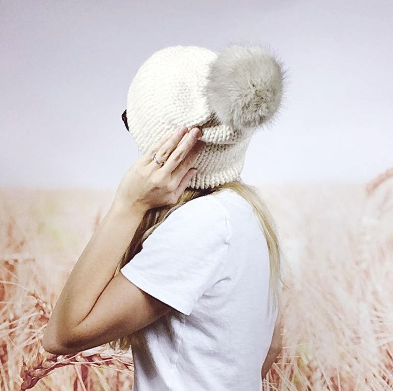 Knitted Faux Fur Pom Pom Beanie Hat with Double Knit Brim Chunky Knit Winter Hat with Faux Fur Pom in Cream