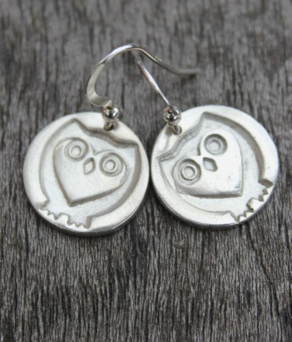 Owl earrings, silver owl earrings, silver wildlife earrings, owl drop earrings, barn owl earrings, owl lover earrings