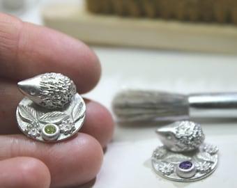 Solid silver hedgehog miniature, micro animal hedgehog, tiny silver collectible animals, micro art, hedgehog figurine, dolls house hedgehog