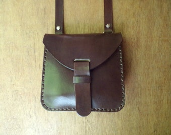 Leather crossbody bag, small. With inside pocket. Handmade leather bag. Leather shoulder bag. Dark brown.