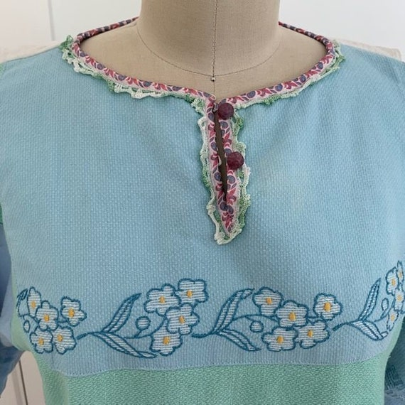 Vintage Embroidered Dress - image 7