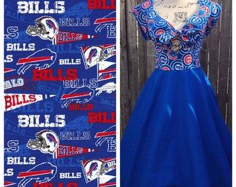 Kenniy Peekaboo Keyhole Circle Skirt Dress in Bills & Blue Fabric