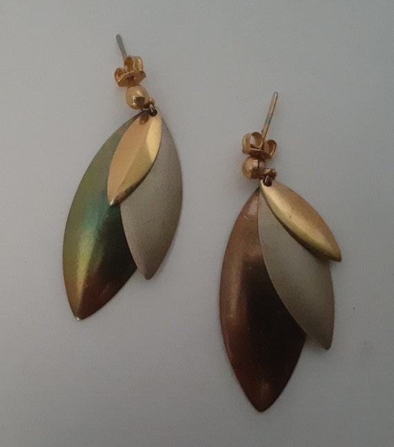 1980s Vintage Metallic Dangle Earrings
