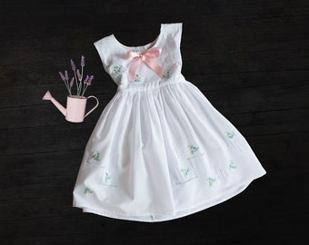 Vintage Girls Dress - Embroidered French Girls Dress -  Size 4-6