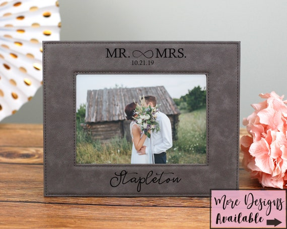 Personalized Gift For Couple, Engraved 5x7 Wedding Picture Frame, Mr and Mrs Gift, Wedding Gift For Couple, Wedding Picture Frame, Photo