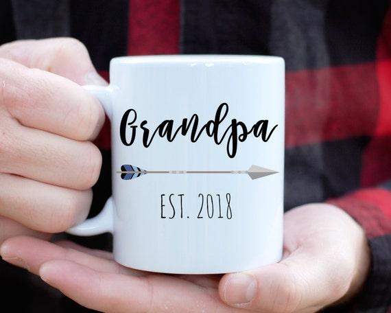 Grandpa Mug with Custom Year, Only The Best Dads Get Promoted To Grandpa Mug,Best Grandpa Gift, Baby Announcement, New Grandpa, Papa Mug