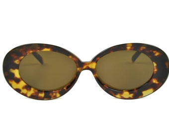 d3b9a9d6b9 Womens Club LA 8251 Jackie O Vintage 60s 70s Oversized Oval Concave Blond  Burgundy Sunglasses France NOS