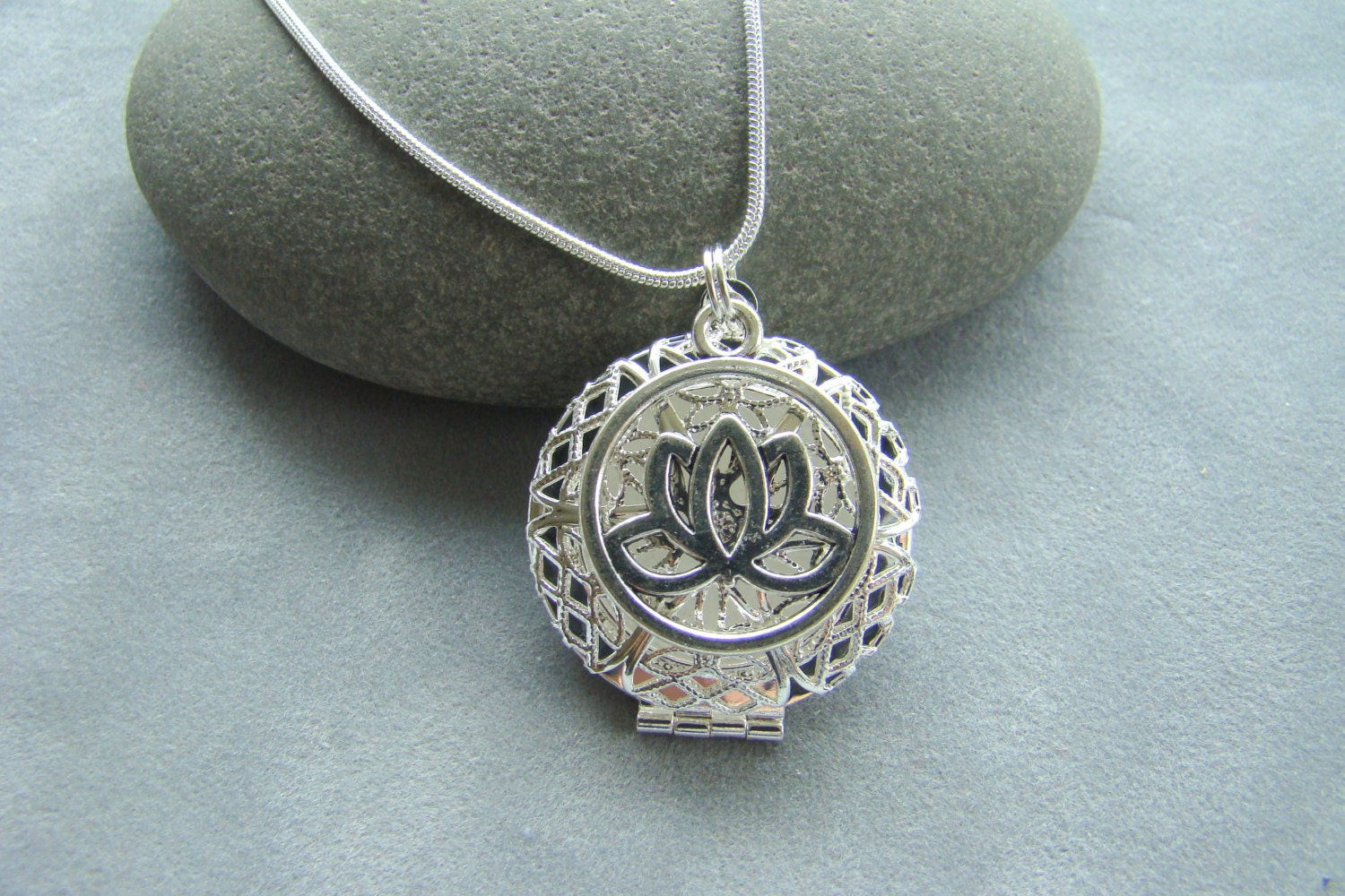 Lotus Flower Essential Oil Diffuser Necklace Aromatherapy Etsy