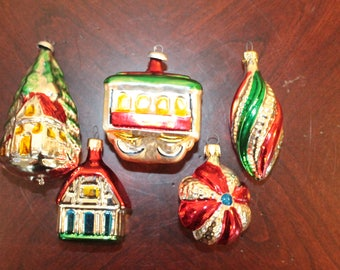 FIVE – Assortment of Five Glass Ornaments – Made in Colombia and Italy