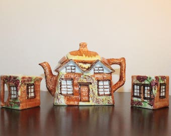 Price Bros Cottage Ware – Teapot and Cream and Sugar