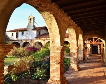 Courtyard Sunset at Mission San Juan Capistrano, California - Color Photo Art Picture Poster - Arches, Columns, Spanish Architecture