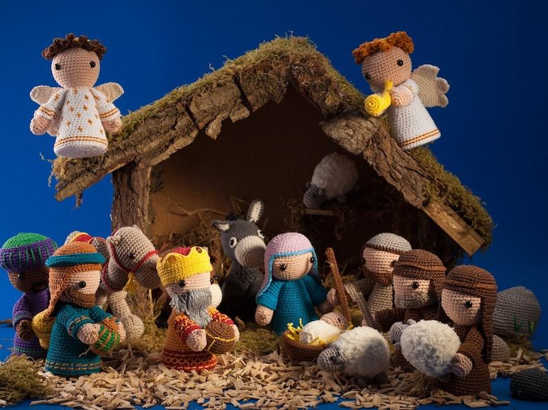 Complete nativity scene PDF crochet pattern