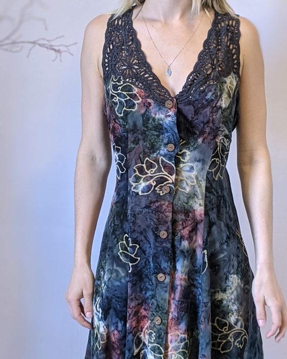 M - 1990s Tie-dye Mini Dress / Floral Fairycore L… - image 2