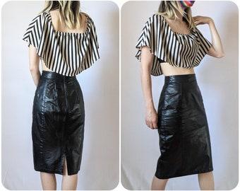 XS - 1980s High Waisted Leather Pencil Skirt / Genuine Leather Vintage Midi Skirt