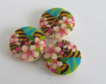 Yellow and black floral wooden button