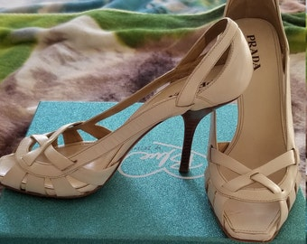 5a18b54c73a Vintage Prada Stacked Heels~Peep Toe Heels~White Leather 60 s-80 s~Made In  Italy~Vero Cuio Heels Size 40