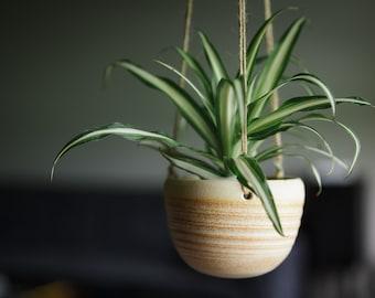 CERAMIC HANGING PLANTER// handmade - succulent planter - ceramic planter - modern hanging planter - hostess gift - speckled cream