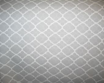 100 percent cotton quatrefoil fabric/gray/white/quilting/crafts/apparel/by the yard